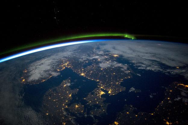 Skandinavien bei Nacht, Nordlichter - Luftbild / Satellitenbild: Schweden, Norwegen, Dänemark